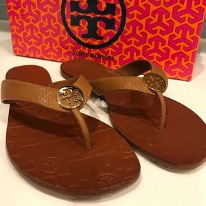 NIB Royal Tan Tory Burch Thora flip flops